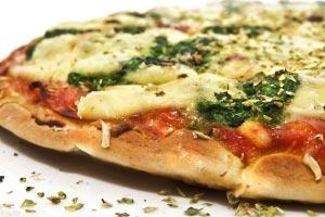 Lav en pizza - og få brugt dine rester